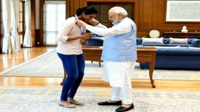 Photo of Golden Girl' PV Sindhu meets PM Modi! PM Modi wore a medal.